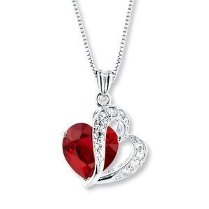 Jewelry - 1.50 Carats Heart Shape Ruby With Round Diamonds